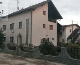 Kuća i poslovna zgrada, Sesvete, Sopnica, dvokatnica 710 m2 K-1047