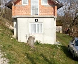 Kuća: Gornja Topličica, visoka prizemnica, 52 m2 K-1094